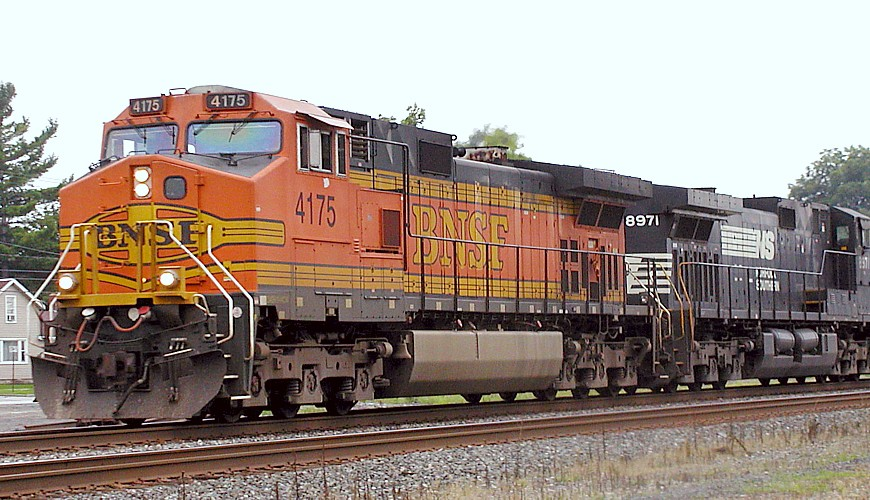 BNSF 4175 NS Line